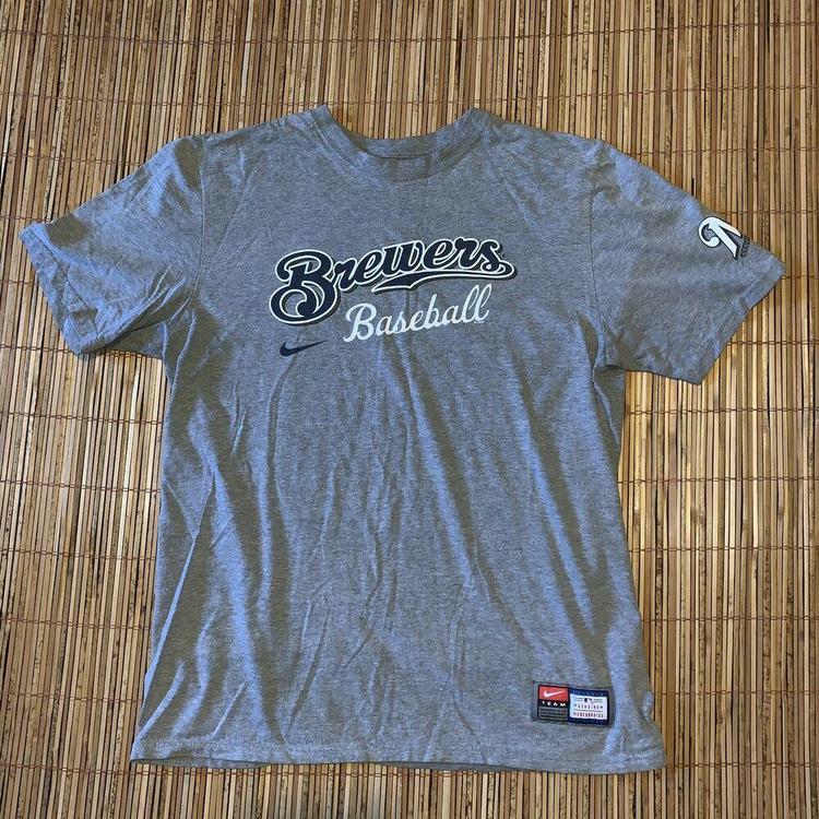 huge discount d7f70 ac152 Nike Milwaukee Brewers Baseball Mens T Shirt Large L Wisconsin Sports MKE  Swoosh