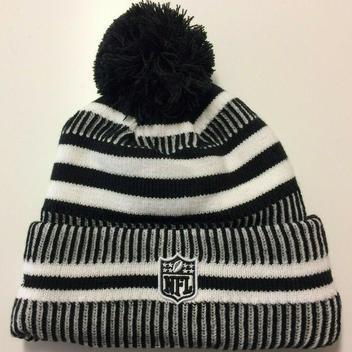 df154432 New Era 2019 Chicago Bears C Knit Hat NFL On Field Sideline Beanie ...