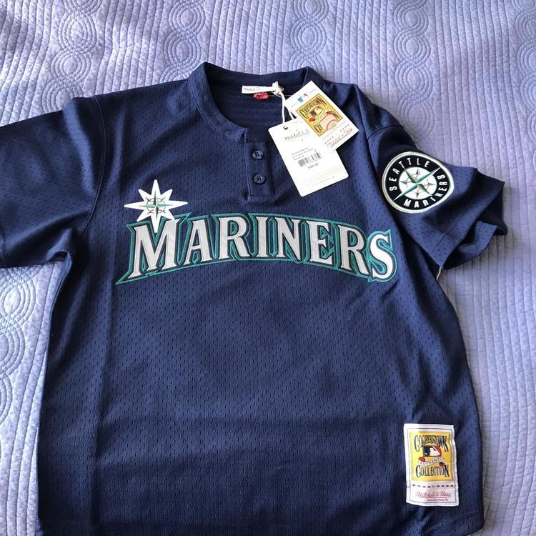 best service ef8d4 3aec5 Ken Griffey Jr. 1995 Authentic Mesh BP Jersey Seattle Mariners Size M