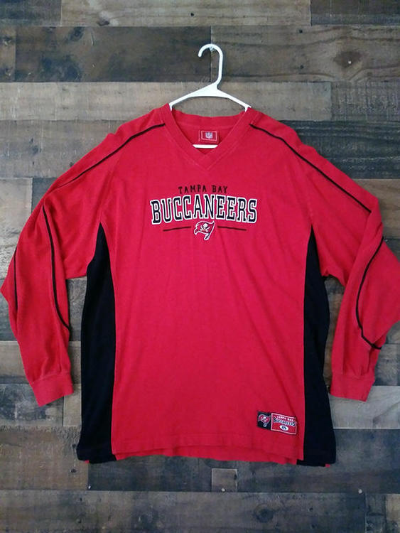 super popular 428a1 71940 NFL Football TAMPA BAY BUCCANEERS Red Embroidered V-Neck Heavyweight Long  Sleeve Team Shirt