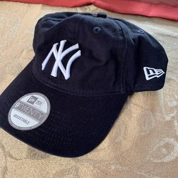 225a82eb Baseball Hats | Buy and Sell on SidelineSwap
