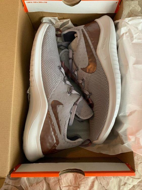 Nike Free TR 8 LM AH8803 002 Womens Size 9.5 Grey Smokey NIB