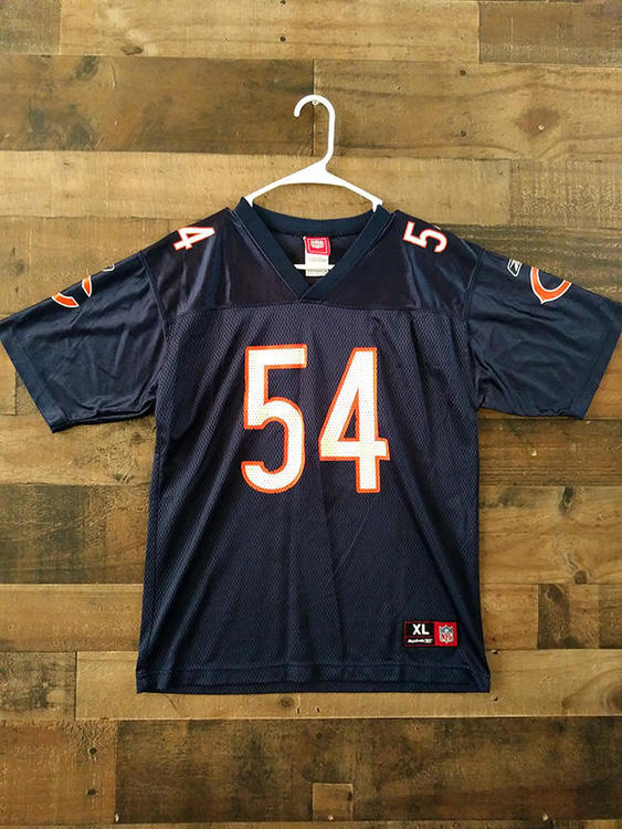 youth xl vs mens small nfl jersey