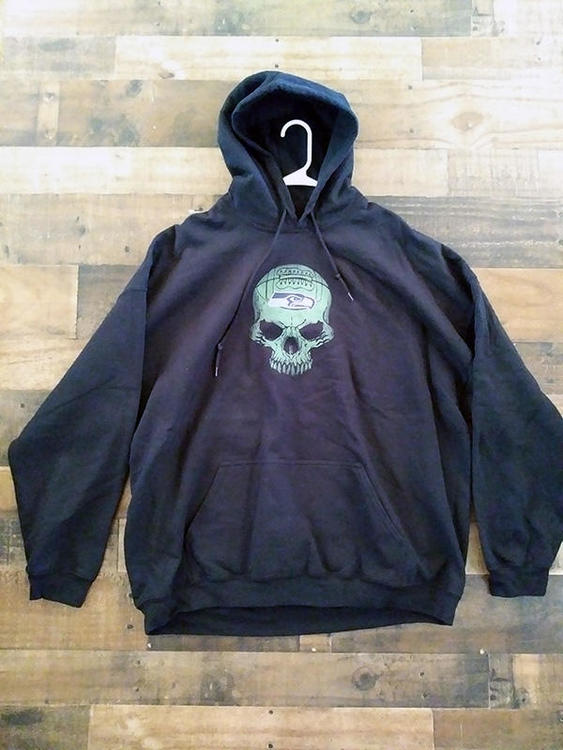uk availability 9b82a 11729 NFL Football SEATTLE SEAHAWKS Black Green Skull Logo Drawstring Hoodie  Pullover Sweatshirt