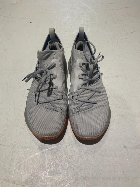 innovative design b9d24 cd0d1 Under Armour Shoes Curry 5 Like New