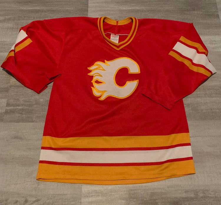 best sneakers f3e3e 932e0 Vintage - Calgary Flames CCM Jersey