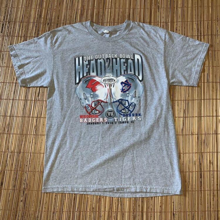 2015 Outback Bowl Ncaa Football T Shirt Wisconsin Auburn L Heather Gray Badgers