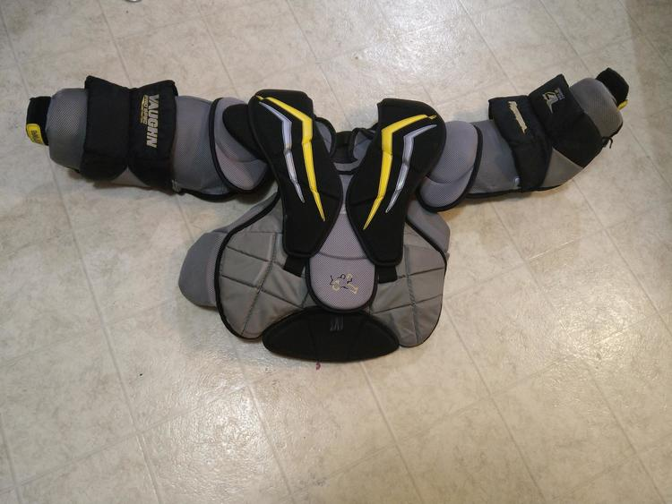 Vaughn Velocity V7 XF Pro Carbon Chest and Arm Protector Goalie Chest  Protector Senior