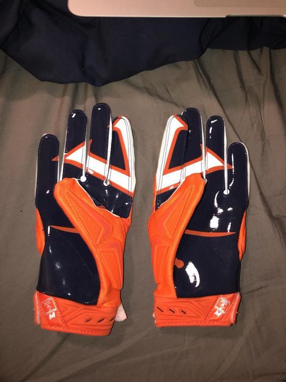 Virginia Football Nike Gloves Size M Orange