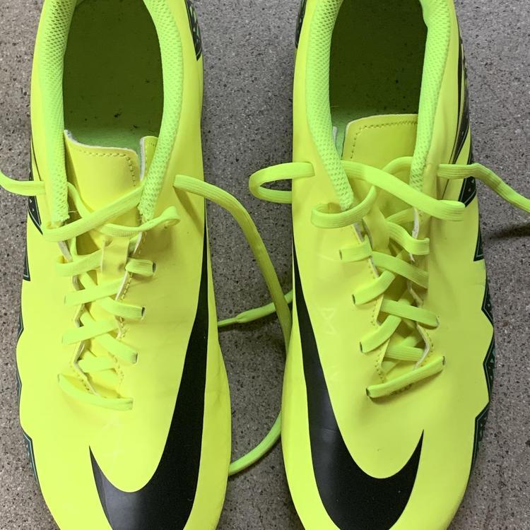 Nike neon yellow hypervenoms | Soccer