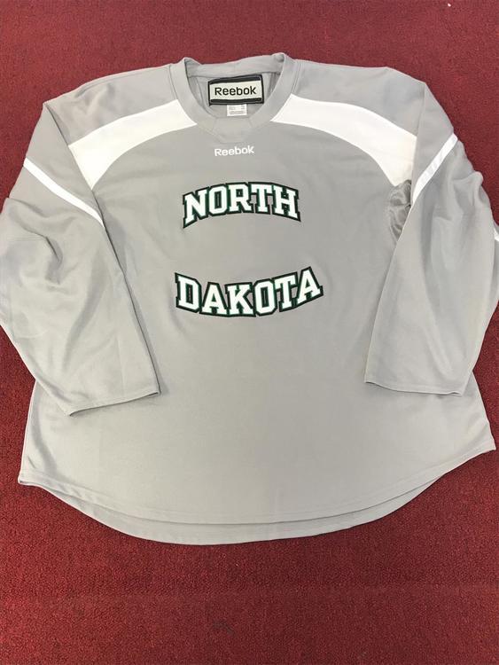 cheap for discount 2ed84 eae4a University Of North Dakota Reebok Practice Jersey Size Xxl