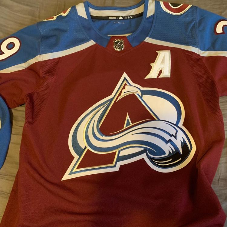 CCM signed nathan mackinnon jersey 2019