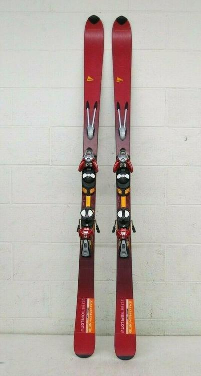 170CM SALOMON SCREAM 8 PILOT W All Mountain Women Skis w