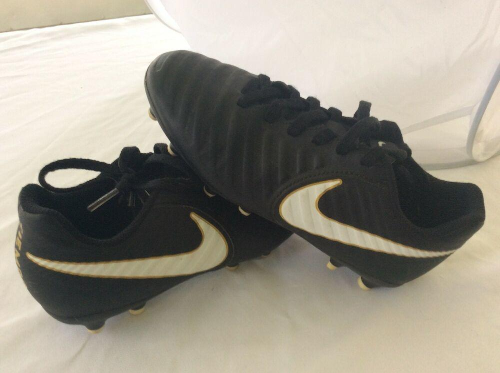 Nike Tiempo Cleats Youth Size 1.5y