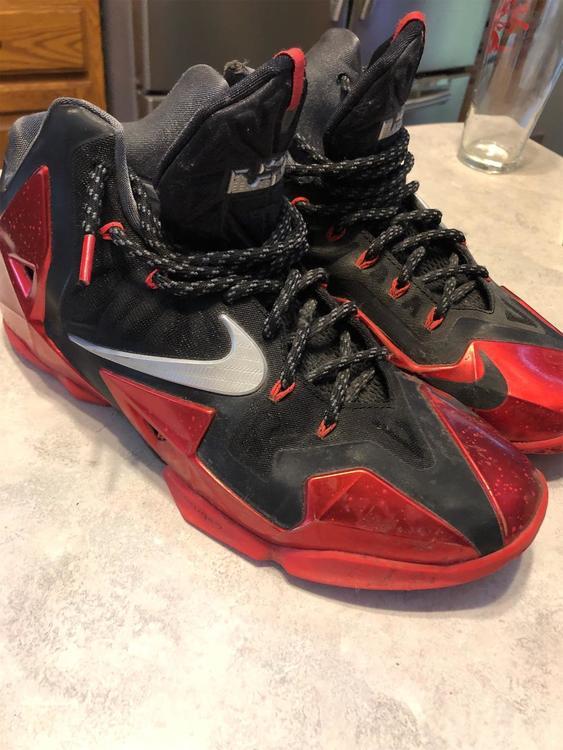 "Nike Lebron 11 ""Away"" SIZE 11"