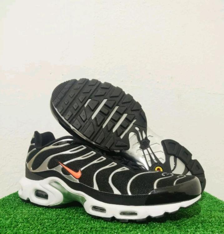 Nike Air Max Plus Tn Se Tuned Black Silver Orange Cd1533 001 Men S