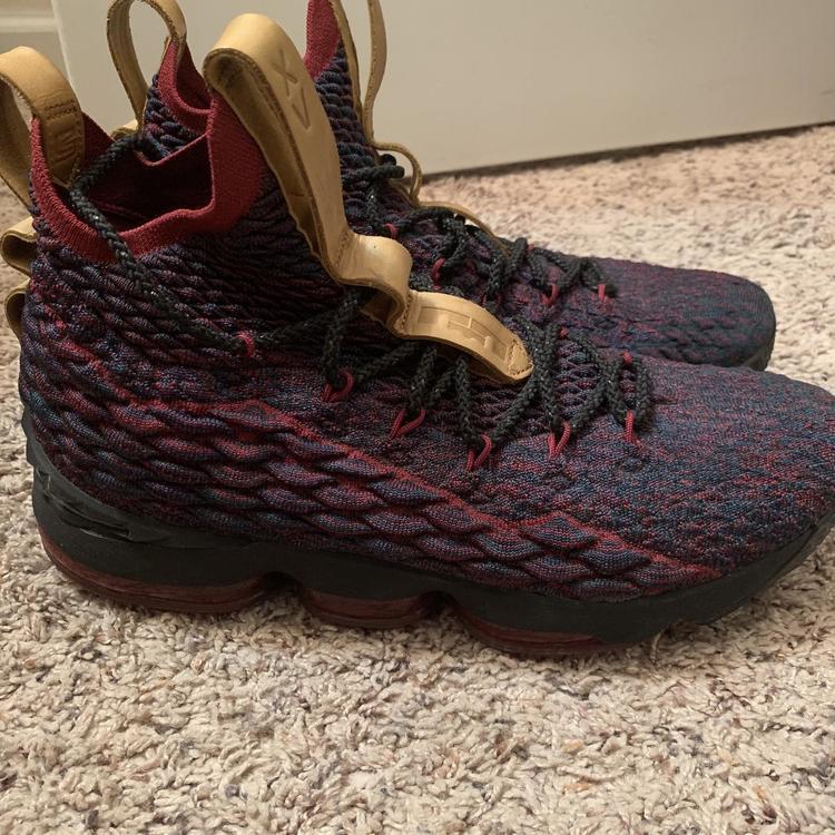 Nike Lightly Worn 5 Times Lebron 15 New