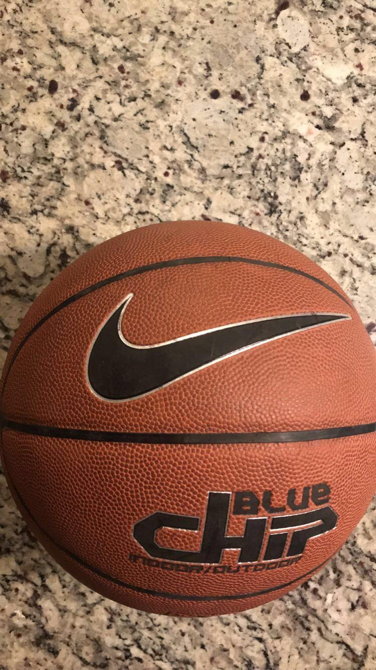 vocal zoo etiqueta  Nike Blue Chip | Basketball Basketballs