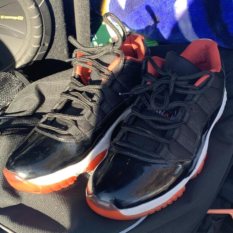 Jordan Nike Air 11 Retro Low Bred Black True Red White 528895 012