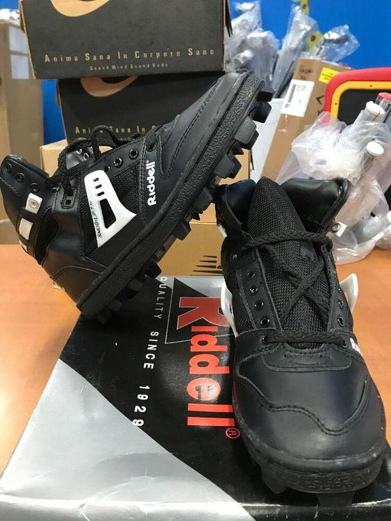 Rattler Hi Cleat Shoes Size 8 Black