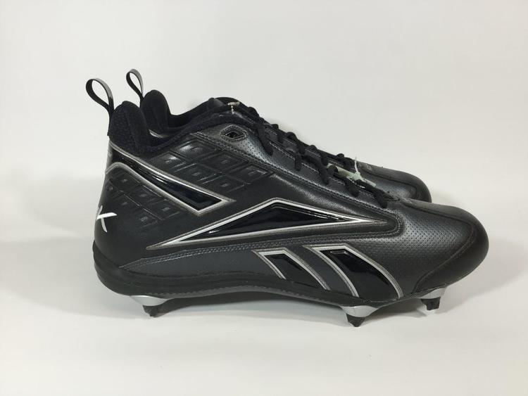 Size Senior 17 | Football Cleats