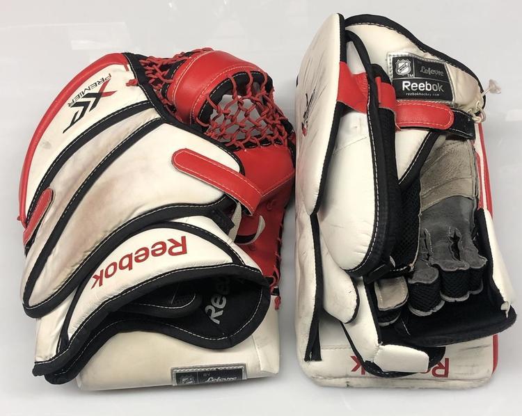 Marcha mala Qué Restricción  Reebok XLT Glove and Blocker Custom Pro stock NCAA Used (5900) | Hockey  Goalie