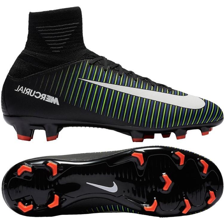 boys size 5 soccer cleats