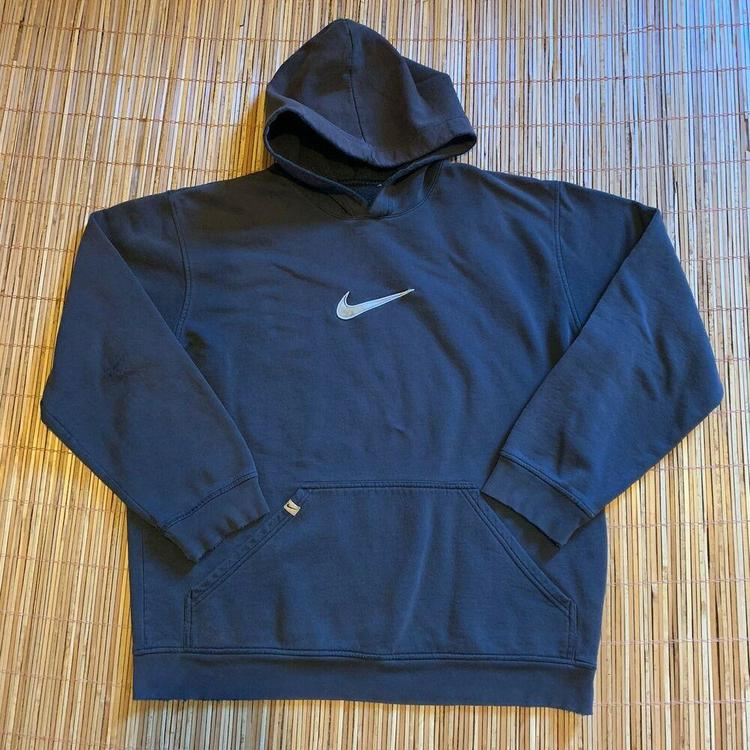 nike hoodie swoosh middle