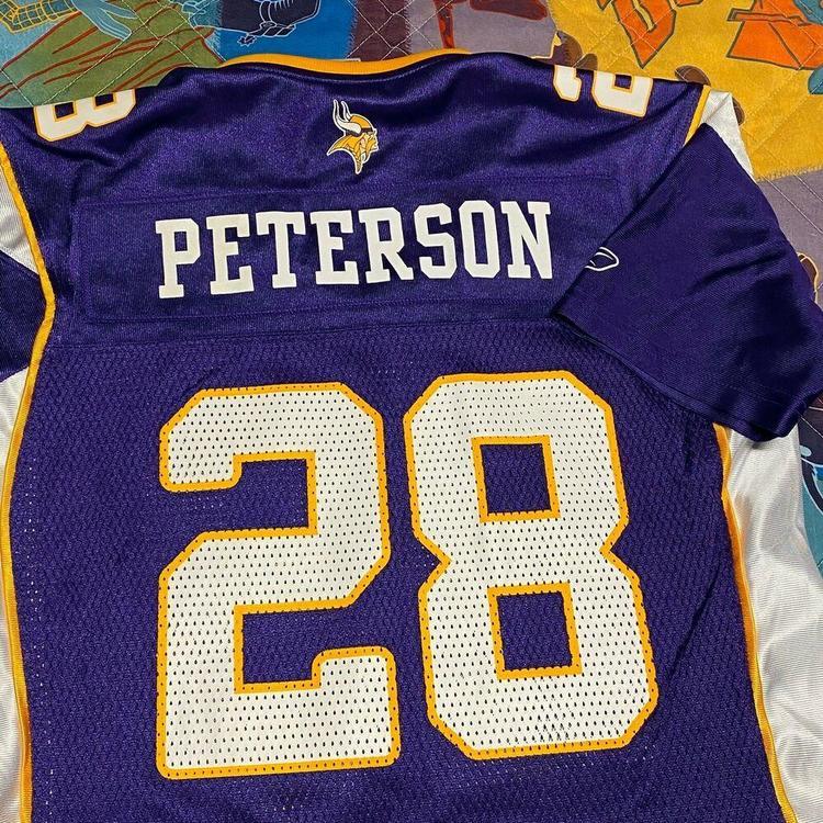 Adrian Peterson Minnesota Vikings Jersey Womens Medium NFL Football 28 Purple
