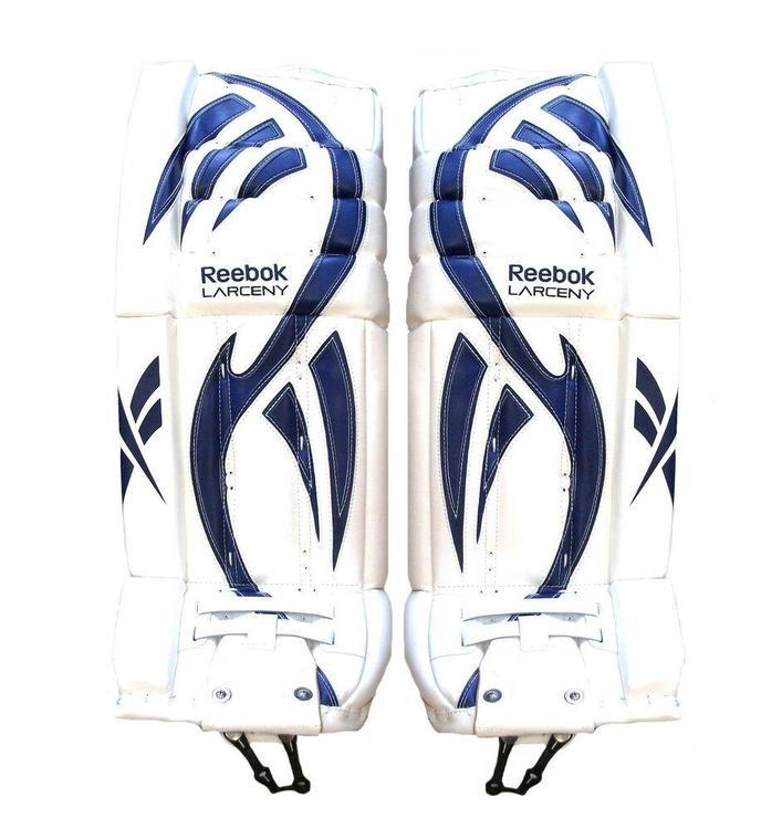 Grupo Mayordomo Combatiente  Reebok New Larceny Intermediate Pro ice leg pads 32+1 white blue | Hockey  Goalie