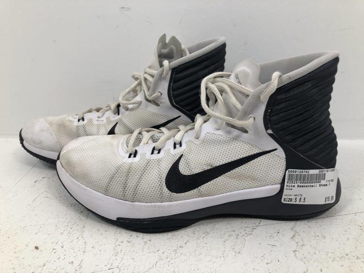 Nike Used Senior 8.5 | Basketball Shoes