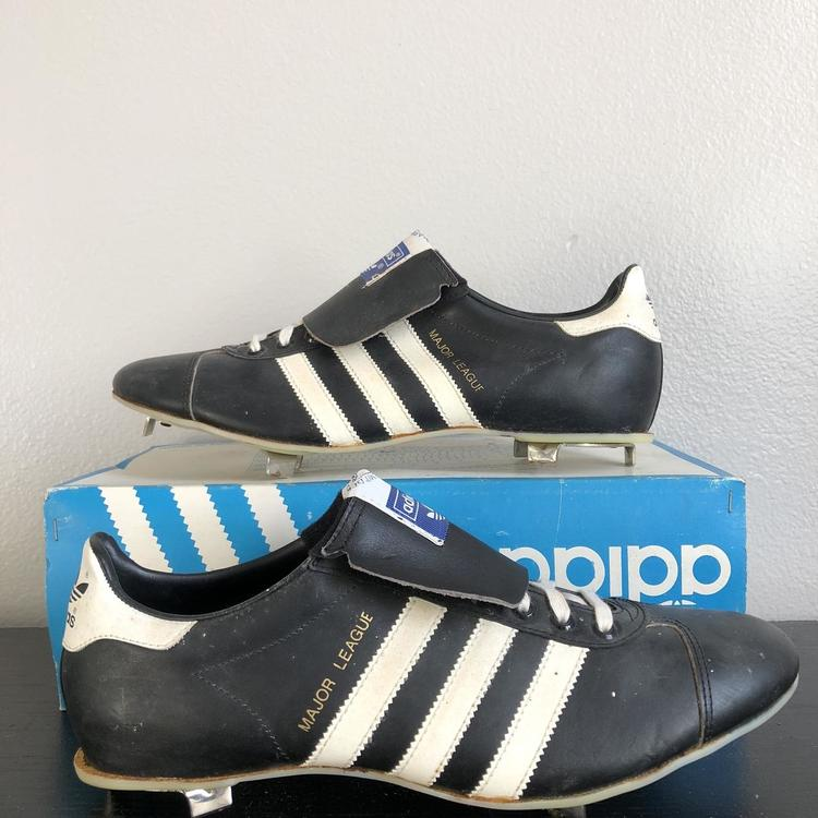 activación Río arriba Siesta  Adidas Vintage Rare 1980 Major League Baseball Size 9   Footwear Cleats
