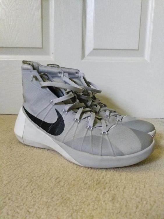 nike basketball shoes size 13