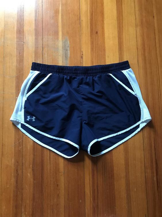 Mucho granja Habubu  Under Armour Women's Team Fly-By Running Navy/White| L | Apparel Shorts