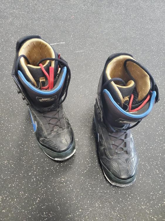 Nike Used Zoom Senior 11.5 Snowboard