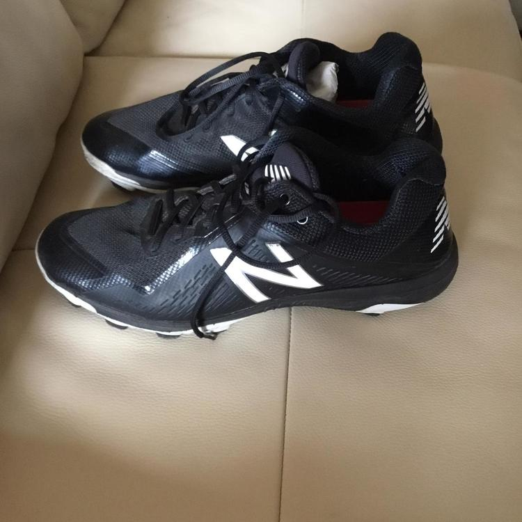 New Balance Molded Cleats Men's Size 14