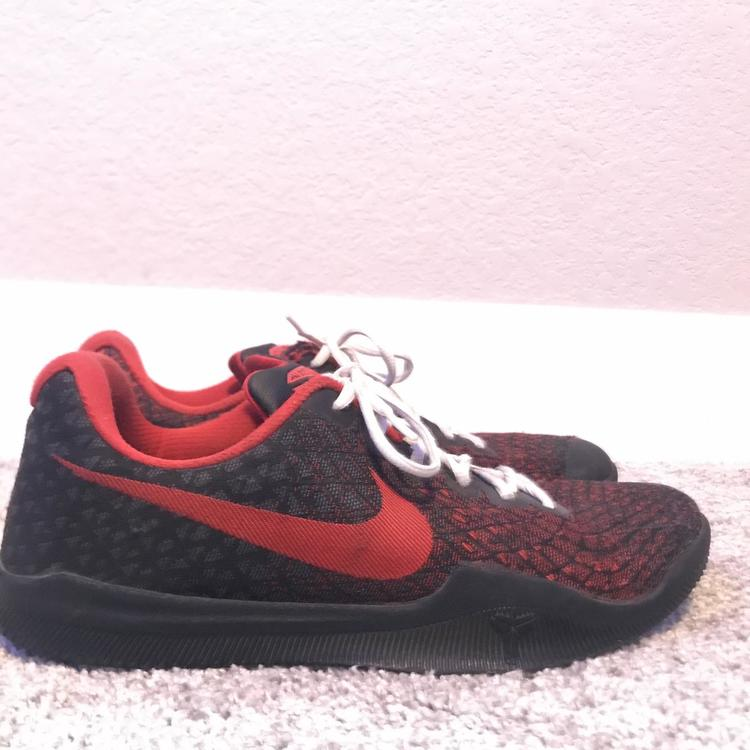 Great Condition Size 11 Kobe 10s