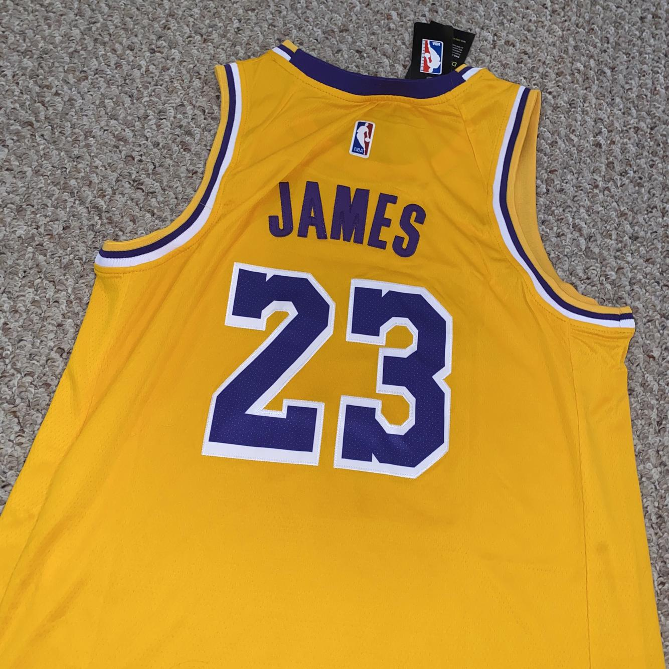 Los Angeles Lakers Lebron James Adult Size 52 Jersey | SidelineSwap
