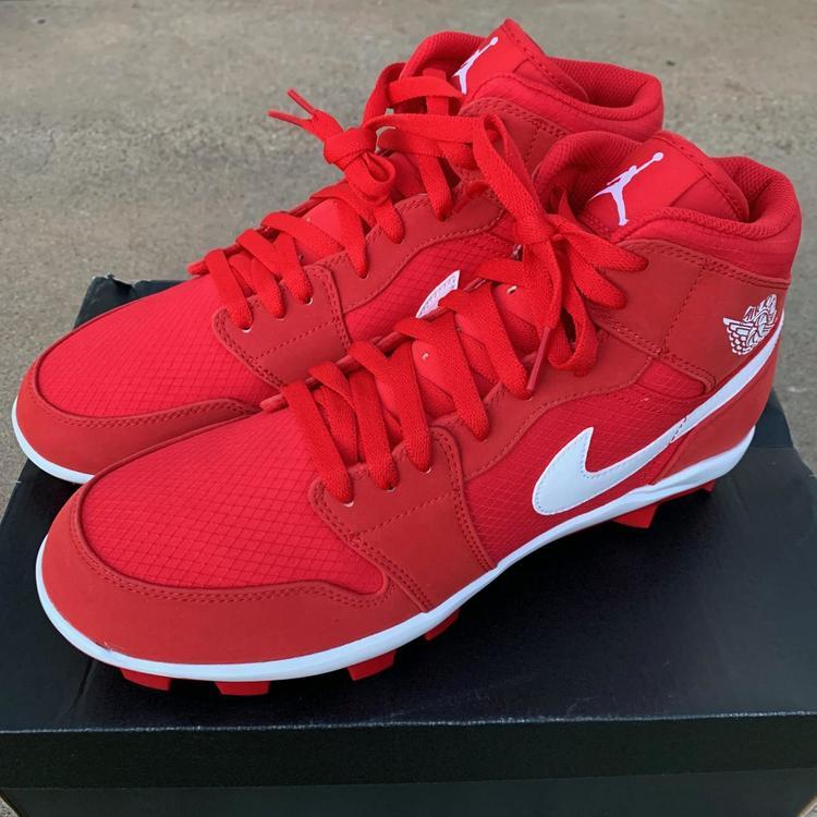 Air Jordan 1 Retro 'Red' Nike MCS