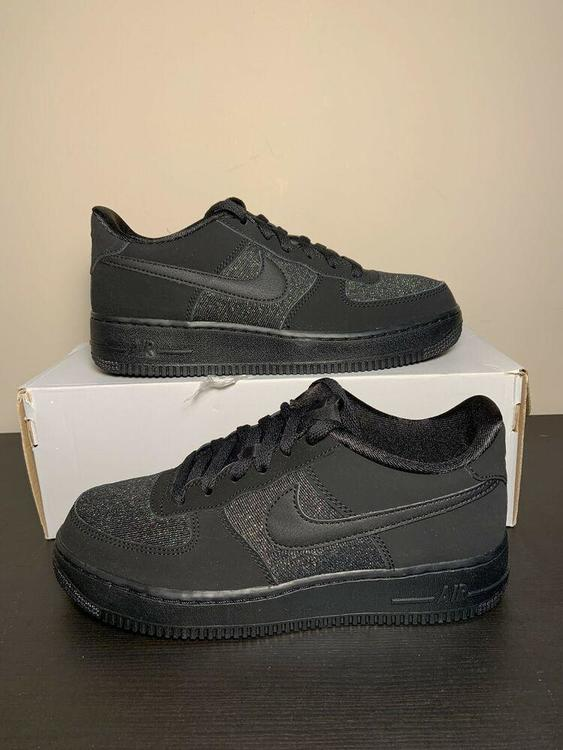 Nike Air Force 1 LV8 (GS) Size 6.5Y