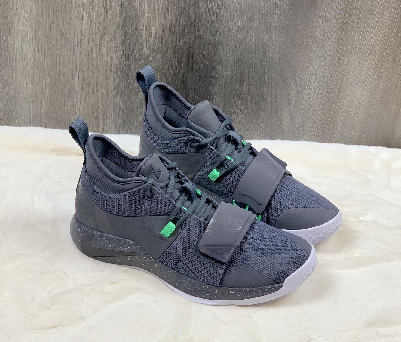 nike basketball shoes size 10
