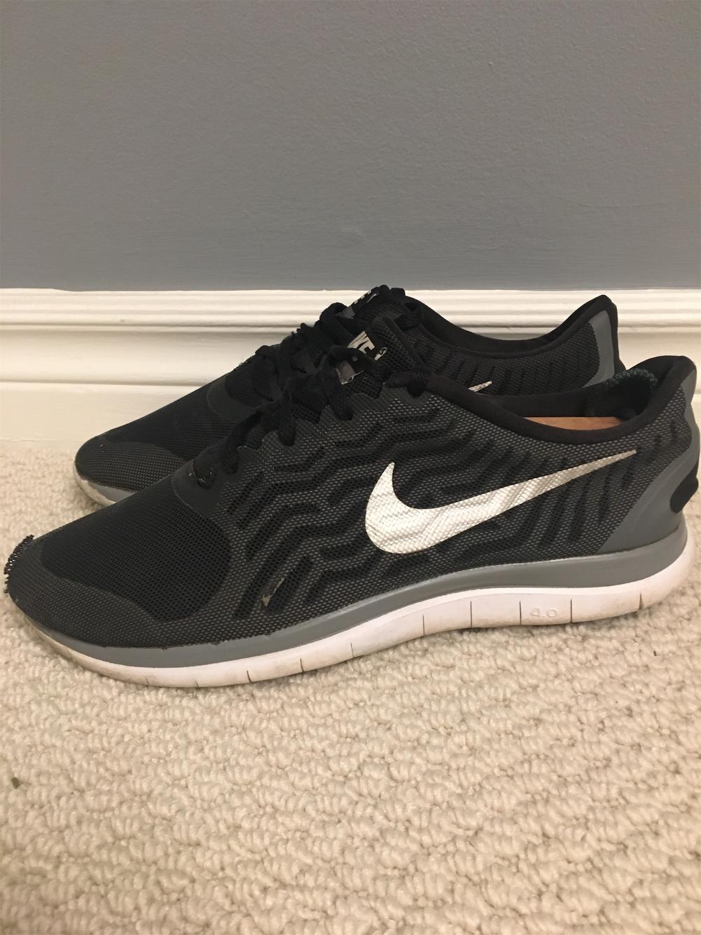 Nike Size 9.5 Women's/8 Men's Free Run