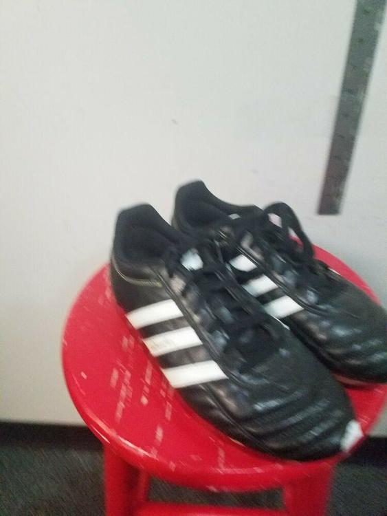 Adidas Questra Cleats US Size 7.5