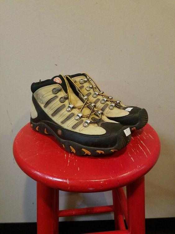 wenger hiking boots