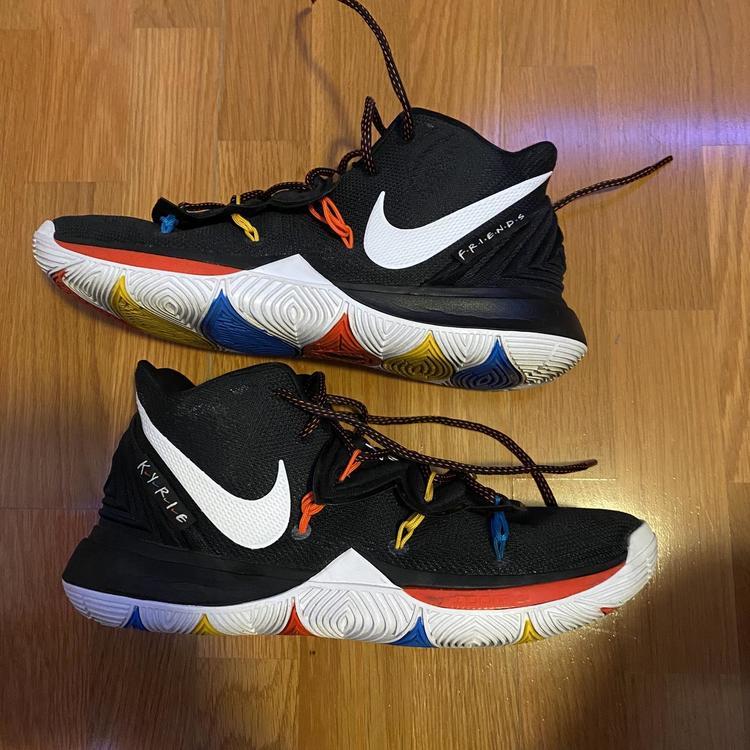 Nike Friends Kyrie 5s Size 11 Like New