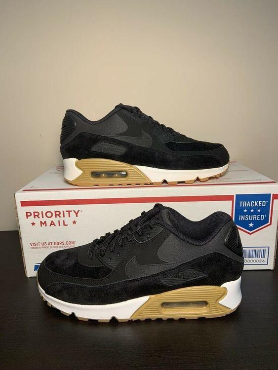 Nike Air Max 90 SE Gum Bottom 881105