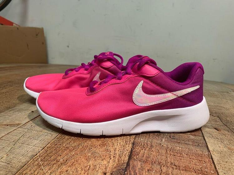 Nike Running Shoes Girls Size 2.5Y Pink