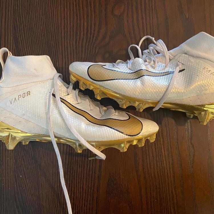 Nike Cleats Untouchable 2 White Gold