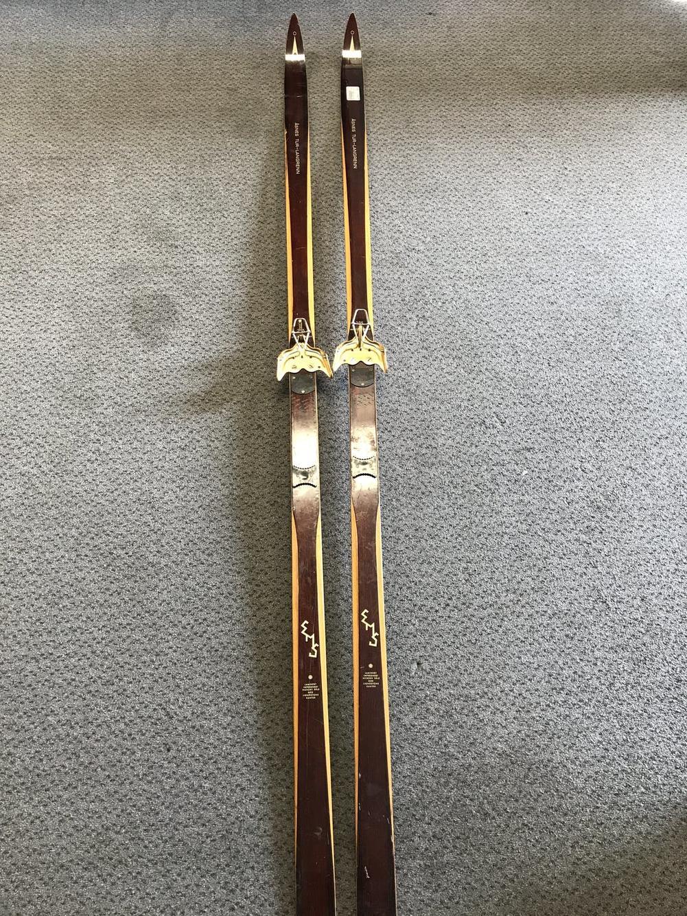 Vintage Asnes Tur Langrenn 205cm Hickory Cross Country W Skilom Bindings Skiing Skis