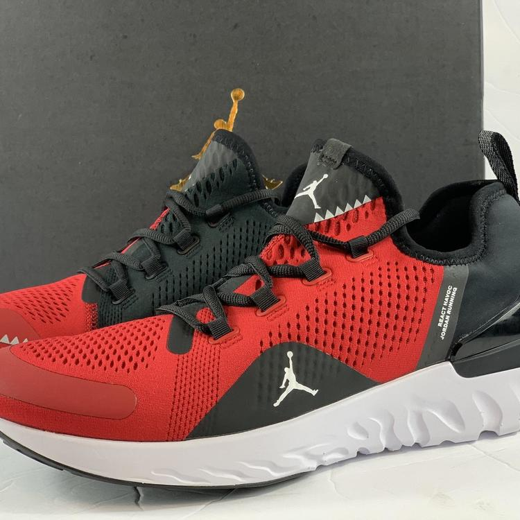 Air Jordan Nike React Havoc Running